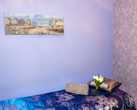 a bed in number 10 massage and beauty for massages
